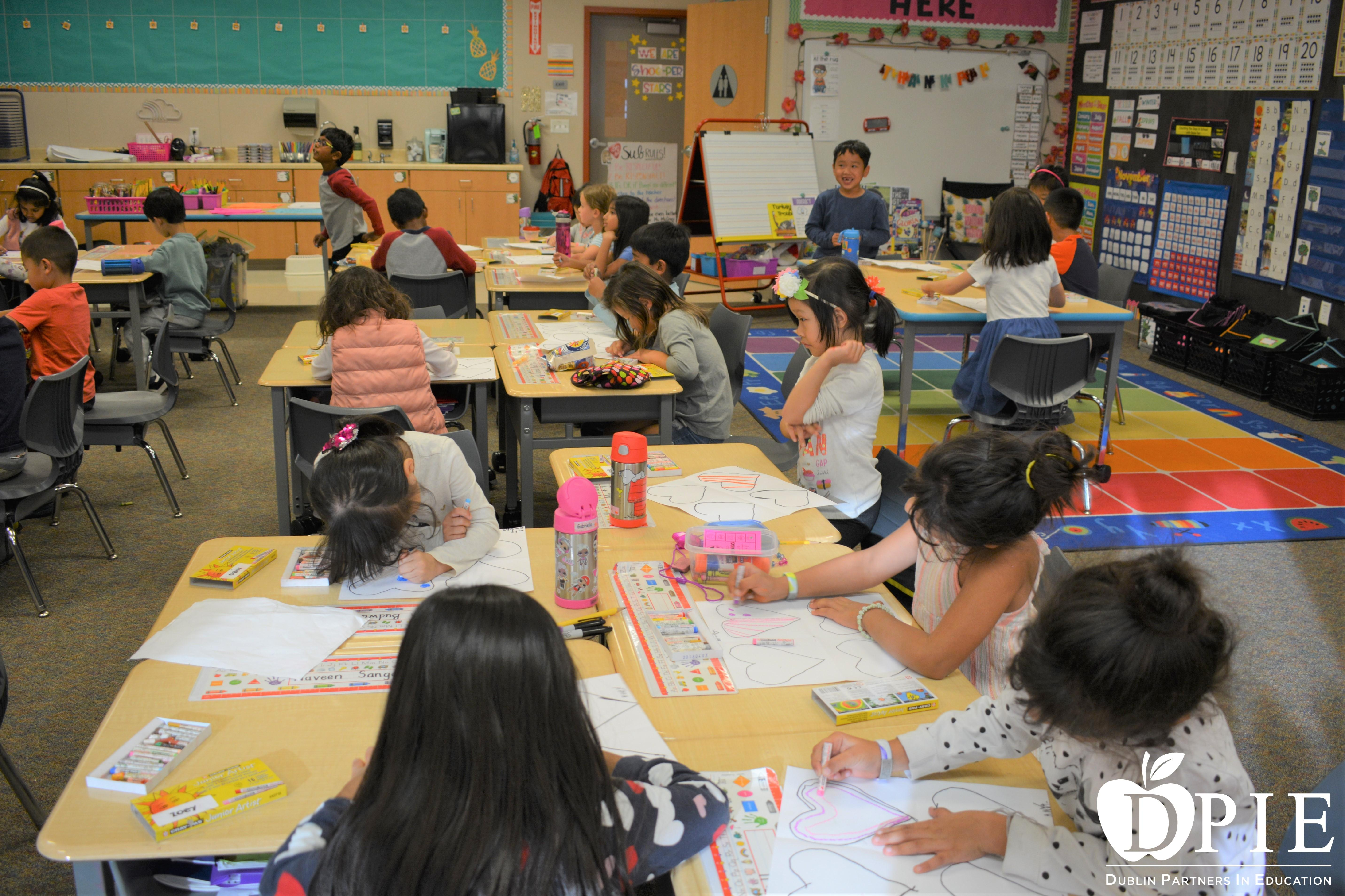 Ms McCrory's Oodles of Doodles class at Amador Elementary