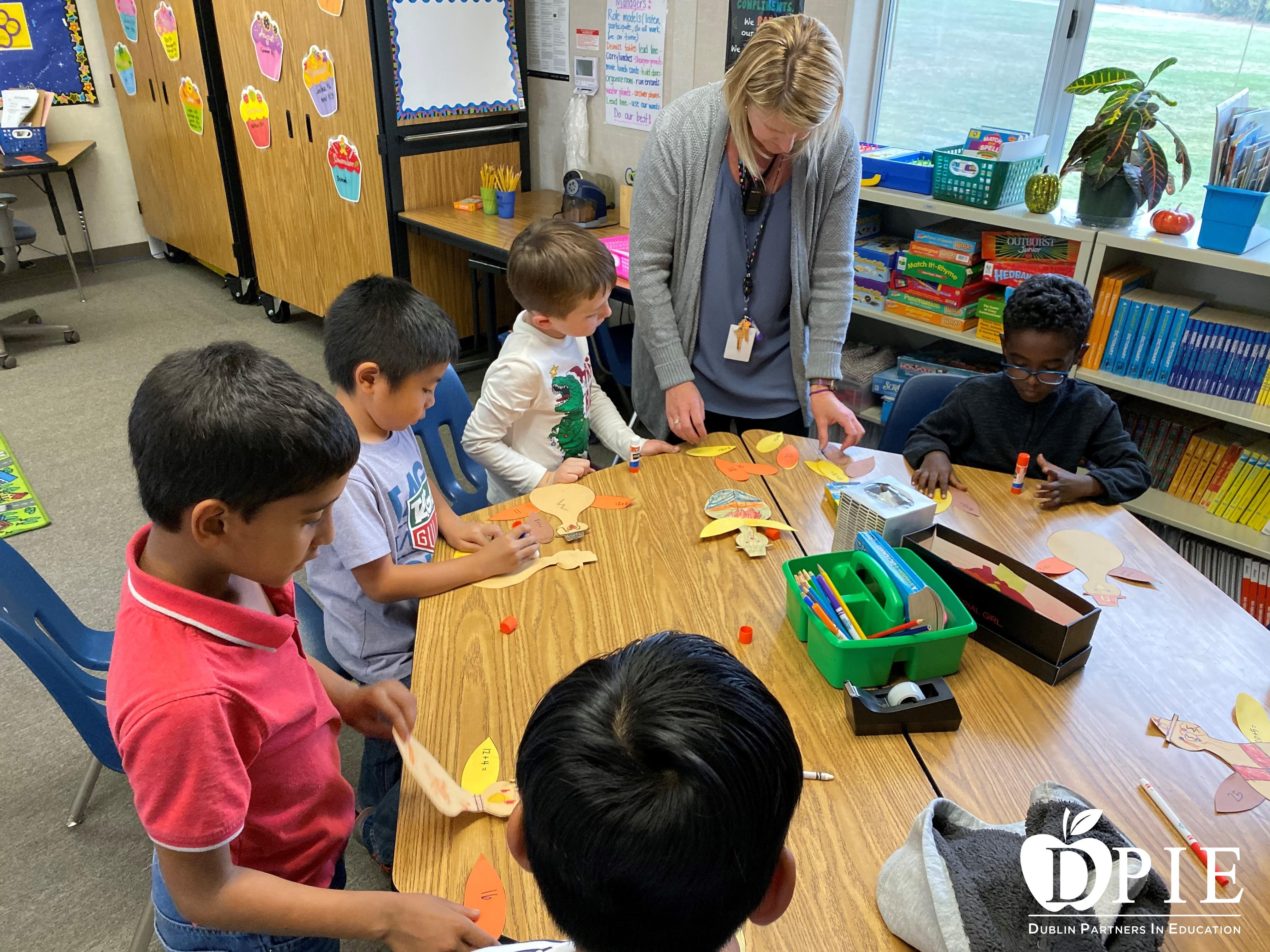Sara Phillips Hands-on Math Challenge class.